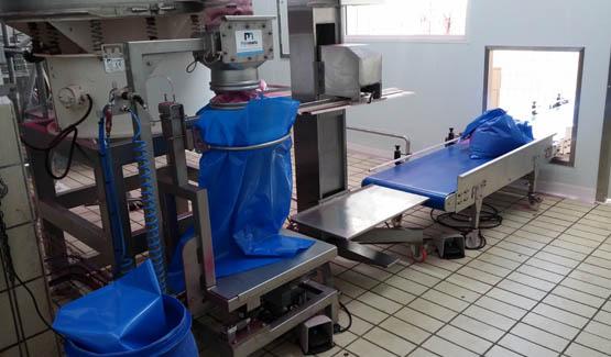 Remplissage de sacs nutrition animale