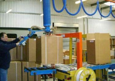 manipulateur cartons